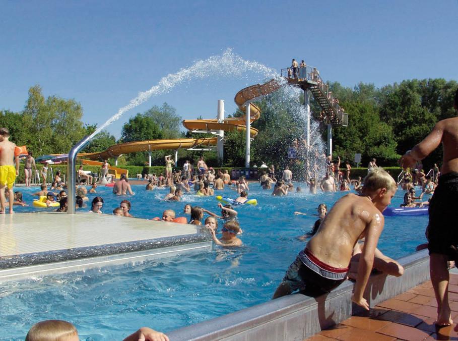 Schwimmbad Plattling - Badeanlage mit vielen Attraktionen
